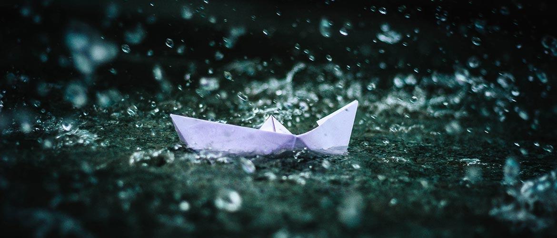 компания «плывет по течению»